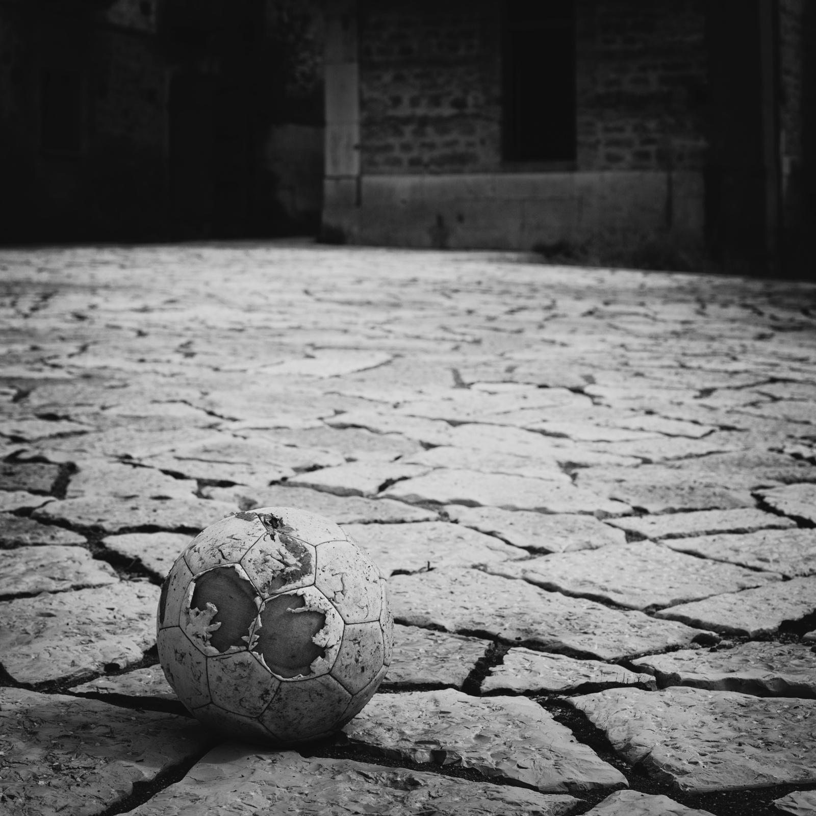 LONELINESS  Apice vecchia (No Man's Land - Luoghi)